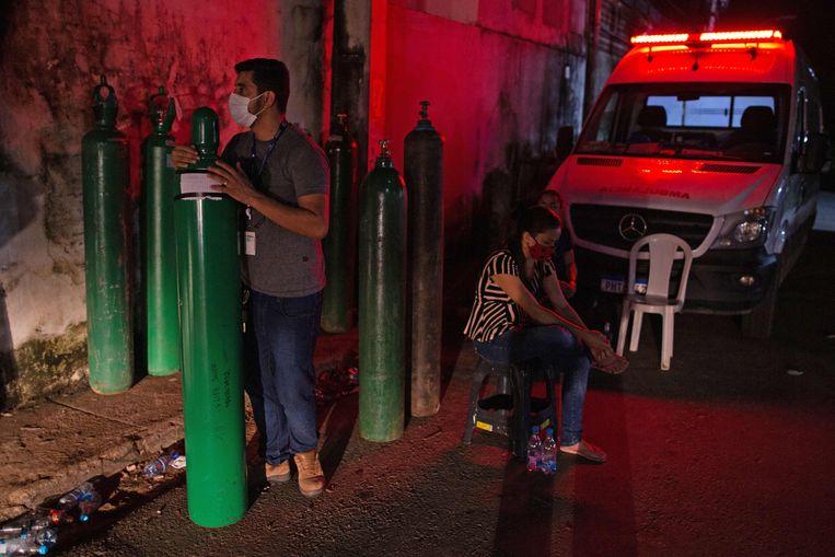In Manaus is een groot tekort aan zuurstof voor beademingsapparatuur. Beeld AFP