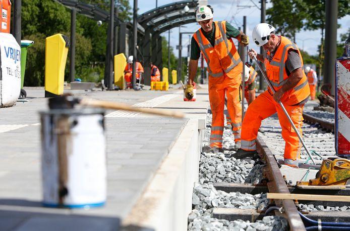 Werkzaamheden aan de tramlijn bij de halte Nieuwegein-Zuid