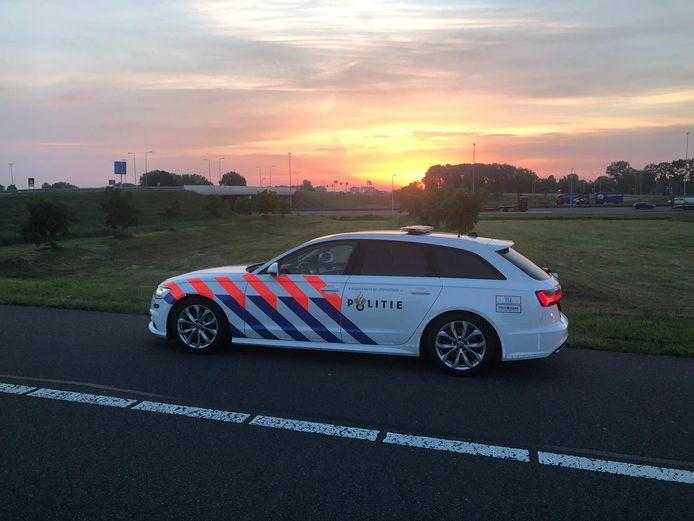 Op de A50 werd een man bekeurd die in een zogenaamde 'spookauto' reed.