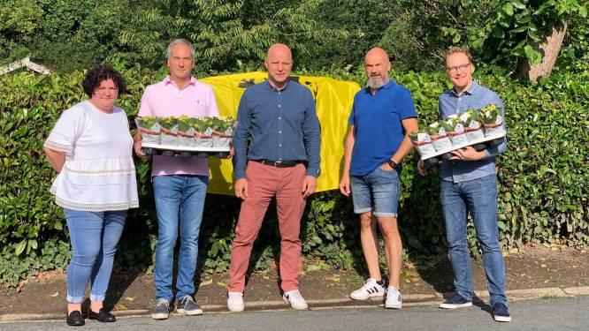 N-VA Affligem bezocht inwoners die Vlaamse leeuw lieten wapperen