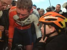 'Jan Raas zei dat het in orde was', en daardoor kon vader Adrie zijn helm doorgeven aan kleine Mathieu van der Poel