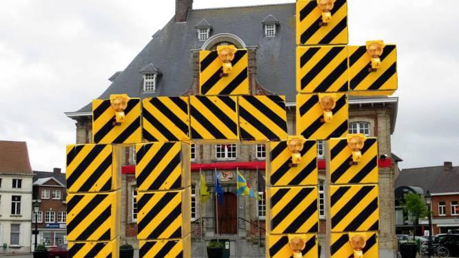 Cartoonist leeft zich uit met gecontesteerde 'Legoblokken' in Torhout