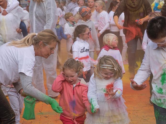 Colorrun bij de Theo Thijssenschool in Zierikzee.