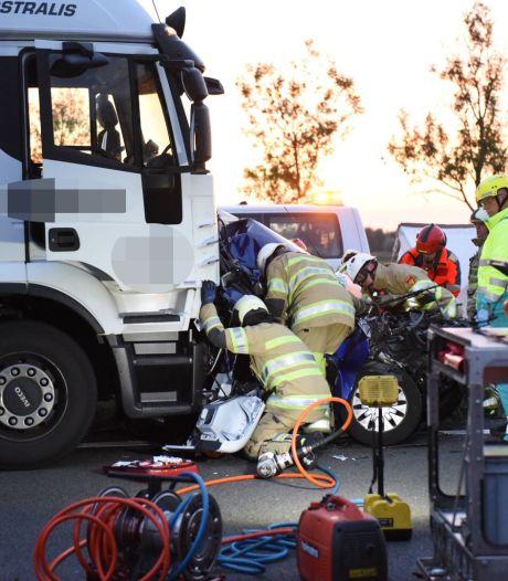 Wéér ging het mis op de A2 en ook deze trucker, die achterop een file klapte, kan daarover meepraten: 'Ik denk dat ik even niet oplette'