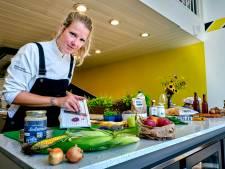 Zelf koken is door corona weer helemaal hot: veel interesse voor lessen bij Kookstudio Hoeksche Waard
