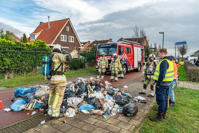 De vuilnismannen dumpten al het afval op straat