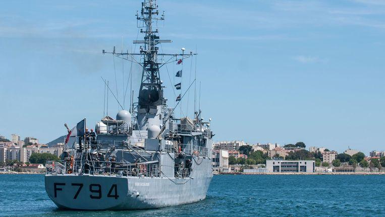 Een Frans marineschip gaat op zoek naar het toestel van EgyptAir. Beeld anp