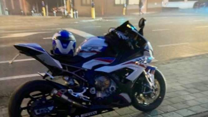 Politie haalt motorrijder uit verkeer die dagelijks met rotvaart door bebouwde kom scheurt