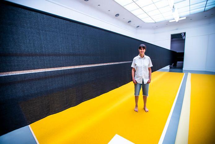 Yael Davids, in haar tentoonstelling in het Van Abbemuseum.