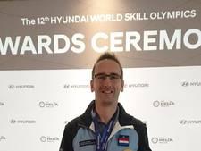 Opnieuw feest in Zutphen: Autotechnicus Jeroen Feenstra wereldkampioen motorsleutelen