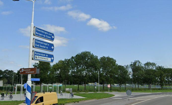 Vanuit Dinteloord over de A4 naar Steenbergen: een malle bewegwijzering, vindt Jan Veraart van GewoonLokaal.