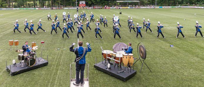 Fragment uit de show BluEmotion van de Van Limburg Stirumband uit Wezep
