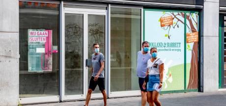 Rotterdamse winkeliers sturen brandbrief: 'Aantal bezoekers gehalveerd door mondkapjesplicht'