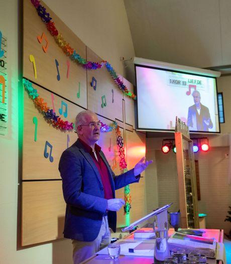 Hattemse kerk hoopvol na 'lege' Top2000-dienst: 'Volgend jaar gaat 't dak er weer af'