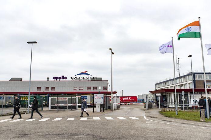 De bandenfabriek van Apollo Vredestein in het Enschedese havengebied.