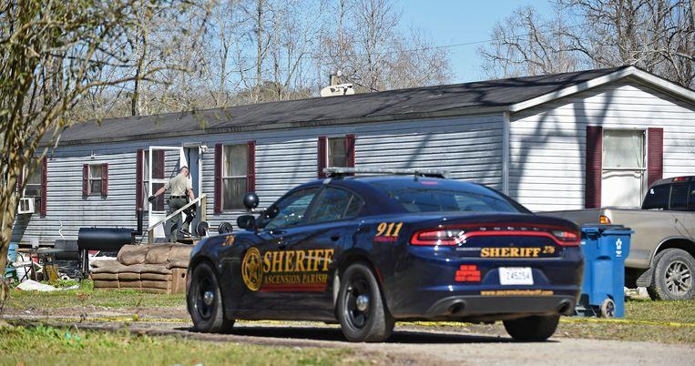 Toen de agenten arriveerden, vonden ze twee slachtoffers: de ouders van Dakota Theriot.