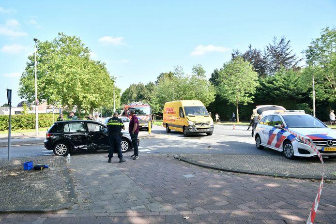 Gewonden na ongeval waarbij personenauto en de bestelbus zijn betrokken.