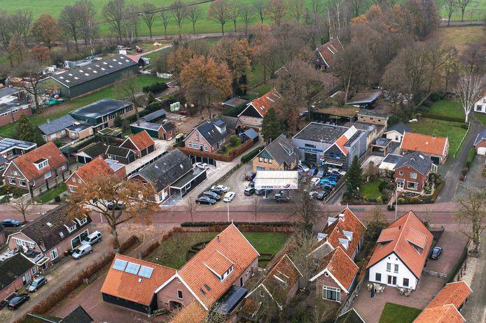 Autobedrijf Abbink houdt zich aan alle regels, blijkt uit controles van de Omgevingsdienst Twenterand. Wat volgde was een advies om een handhavingsverzoek af te wijzen.