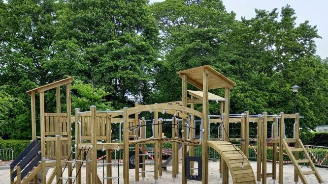 Klimmen, rondrennen en schommelen: Gemeentepark heeft nieuw speelparadijs