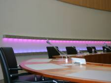 18.000 euro voor renovatie lichtkunstwerk in raadzaal Bernheze