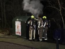 Collectecontainer van Leger des Heils in brand gestoken in Scheveningen, in Duindorp gaan parkeermeters in vlammen op