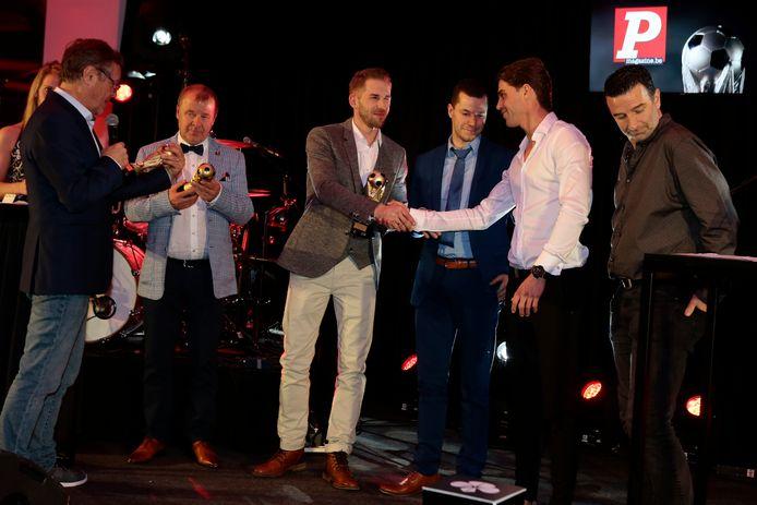 Gerritsen feliciteert Dermaut met zijn Golden Palace Ball.