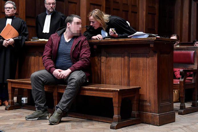 O. in de rechtbank van Dendermonde.