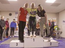 Twee jaar geleden nog in een rolstoel, nu is Michelle Nederlands kampioen powerliften