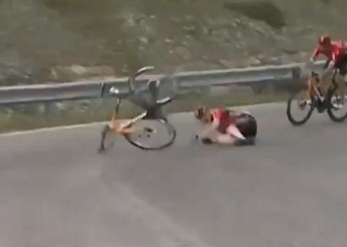 Mohoric ging hard tegen de grond.
