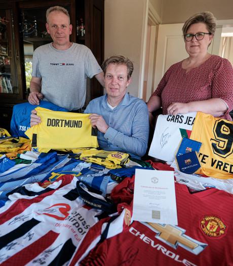 Betaalde clubs doneren shirts voor Tijmentoernooi
