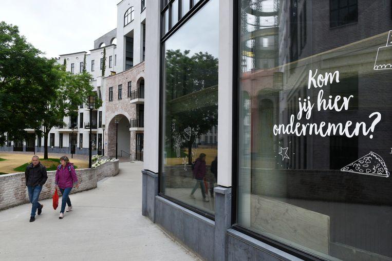In het pas gebouwde Maankwartier in Heerlen konden niet alle winkelpanden worden gevuld. Beeld Hollandse Hoogte / Peter Hilz