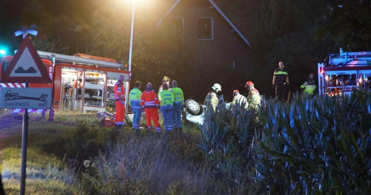 Dode door botsing tussen trein en auto op onbewaakte overweg bij Winterswijk.