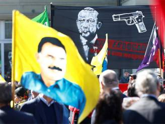 Turkije woest om 'Kill Erdogan'-spandoek in Zwitserland