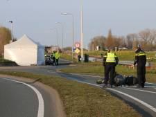Gemist? Twee motorrijders komen om het leven en explosie en schoten bij restaurant in Den Haag