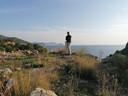 Erik Roosenboom met uitzicht op de Middellandse Zee  in Turkije