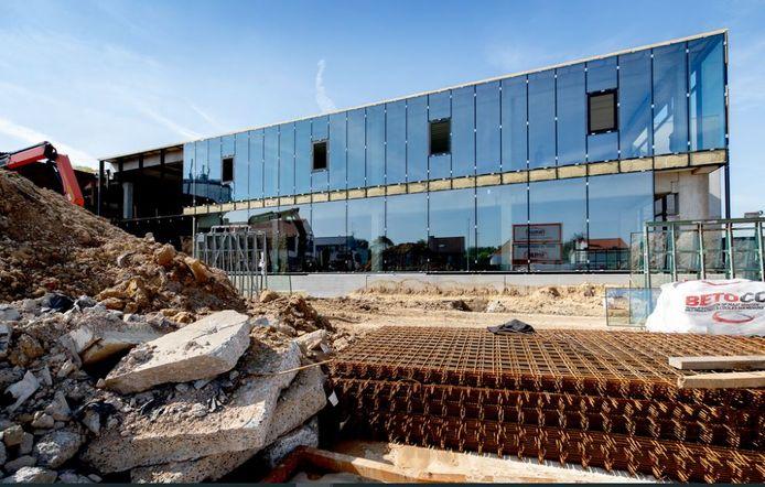 De werken voor de nieuwbouw, op 't Hoge in Kortrijk.