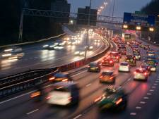 Oom laat 15-jarige jongen rijden op de A20 en wisselt met 100 km per uur van plek