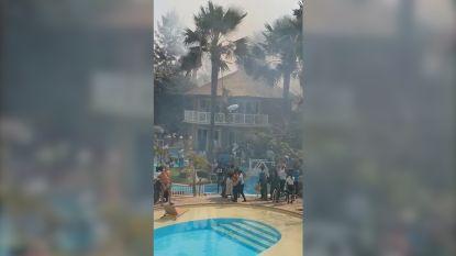 VIDEO. Vlaming filmt brand in vakantieresort in Gambia