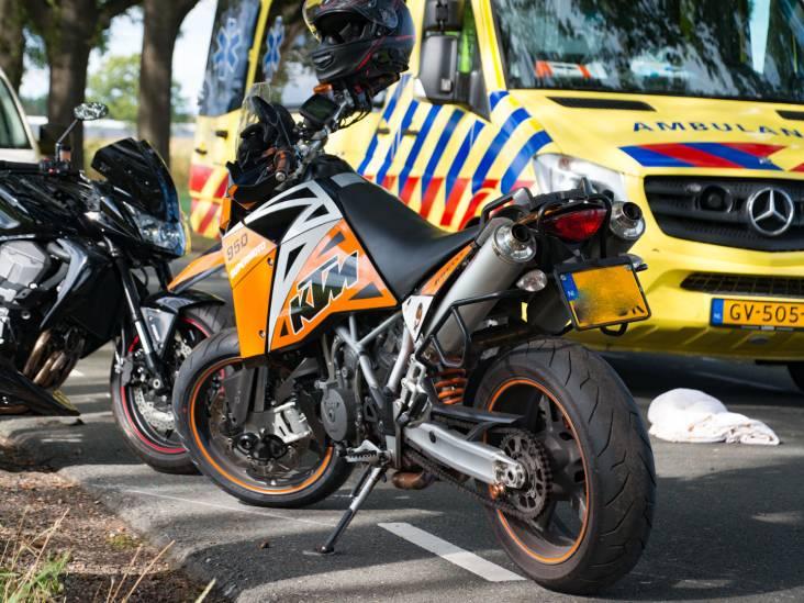 Motorrijder vliegt uit de bocht in Deurne en is gewond naar het ziekenhuis