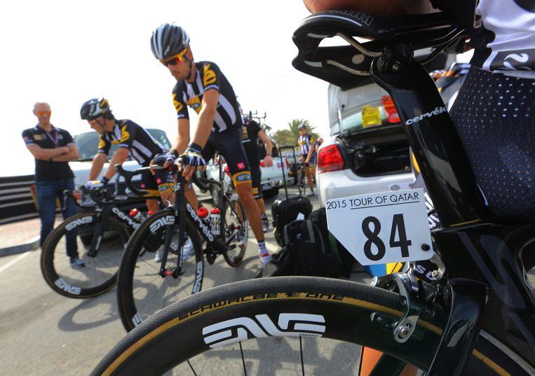 Wielrenners van MTN Qhubeka, de eerste Afrikaanse wielerploeg in de Tour de France. Beeld epa