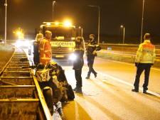 Motorrijder gaat onderuit op afrit A4 bij Den Hoorn: blijkt onder invloed van drugs en alcohol