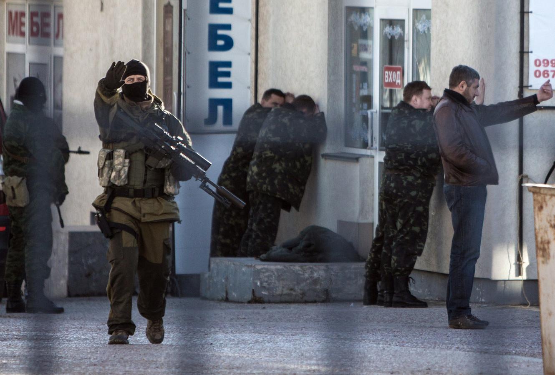 Militaires ukrainiens arrêtés par les forces pro-russes