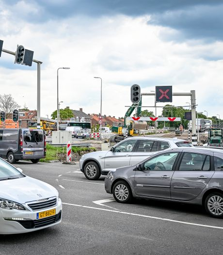 Algerabrug staat bij vlagen muurvast: 'Dit kost ons tienduizenden euro's'
