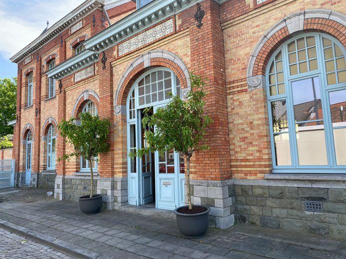 Astuce in het voormalige stationsgebouw van Oostakker-Lourdes.