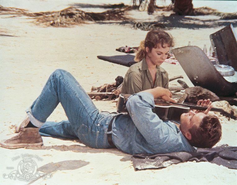 Anne Helm en Elvis Presley in Follow That Dream van Gordon Douglas. Beeld