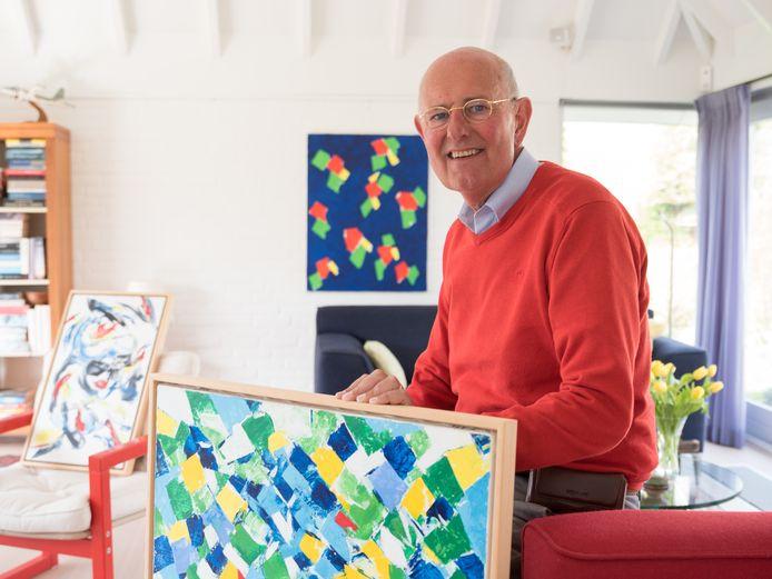 """Wim Joppe heeft verschillende werken van zijn oom Ben Joppe in huis. ,,Ik heb het geluk dat ik een magazijn heb waaruit ik kan putten."""""""