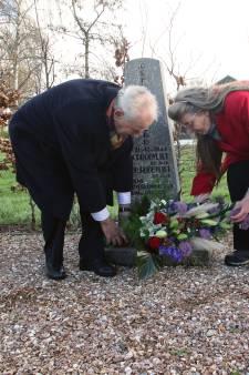 Nabestaanden hijsen vrijheidsvlag in Rockanje: 'Herdenken met een lach en een traan'