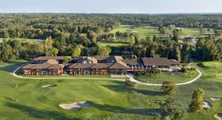 De Rode Duivels verblijven tijdens het EK in dit Resort Hotel & Spa Golf du Médoc, in Bordeaux. Beeld rv