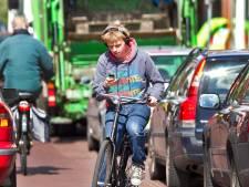 1923 boetes voor appen op de fiets in Noord-Holland