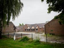 Twintig nieuwe woningen in en om oude school De Sleutel Vroomshoop, en gedateerde huizen aan de overzijde gaan tegen de vlakte
